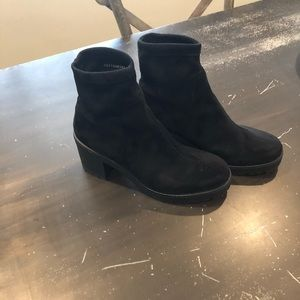 Urban Outfitters Black ankle booties